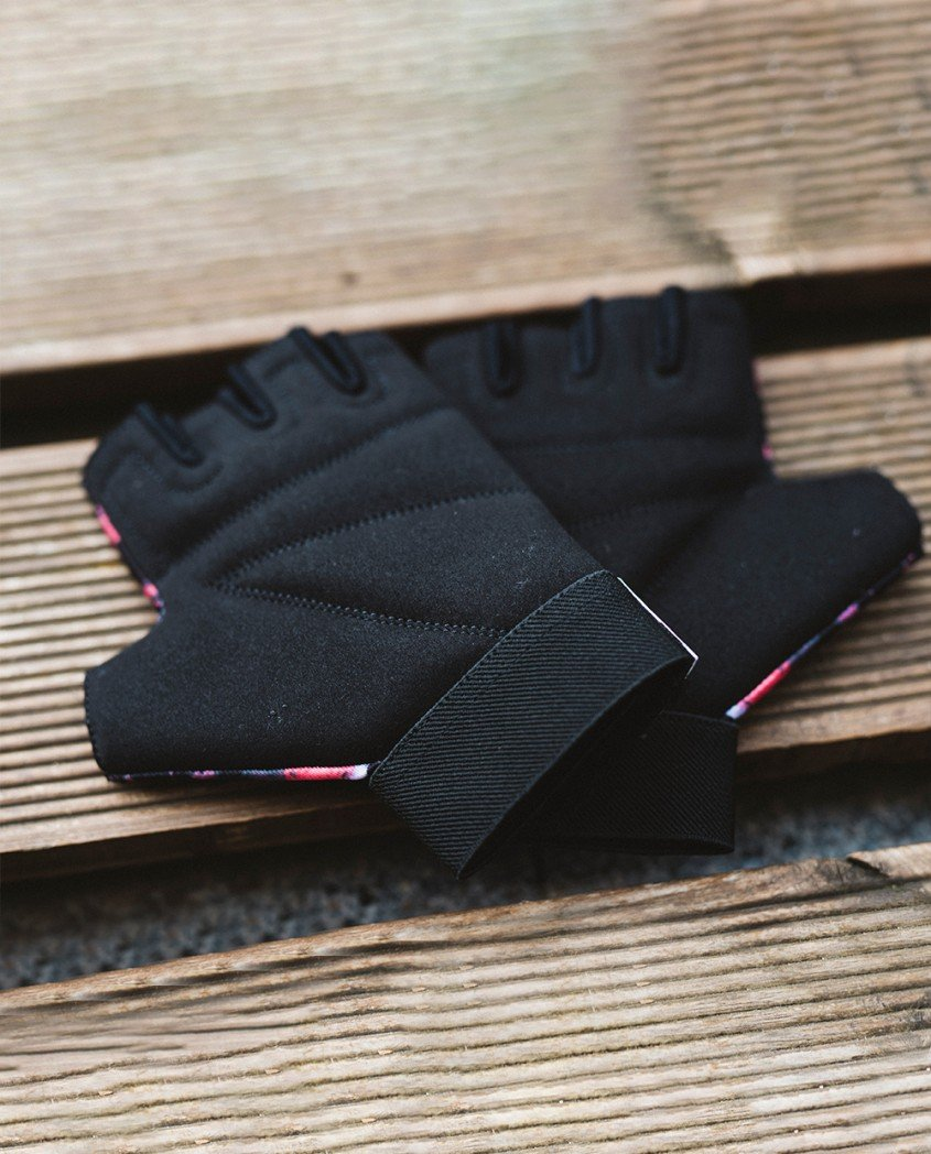 Deep sunset gloves
